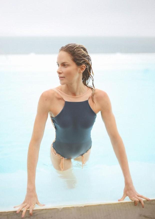 A marca cria peças que abraçam as curvas naturais da mulher (Foto: Divulgação)