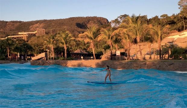 aula de surfe (Foto: Divulgação)