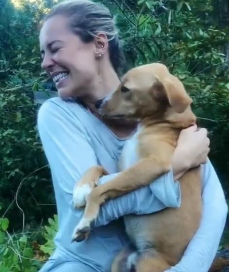 Paolla Oliveira e o cão Chopp (Foto: Reprodução Instagram)