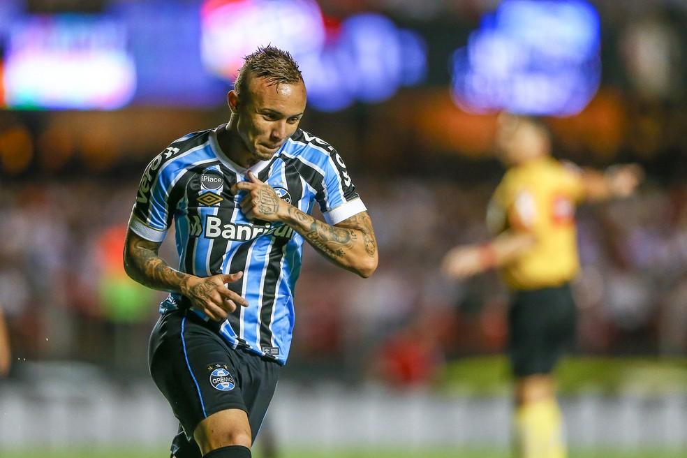 Everton comemora gol marcadou contra o São Paulo, no Morumbi — Foto: Lucas Uebel / Grêmio, DVG