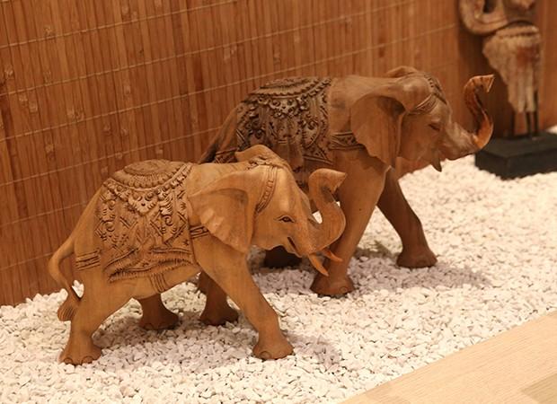 Elefantes indianos do espaço zen de Marina Elali (Foto: Reginaldo Teixeira / Ed. Globo)