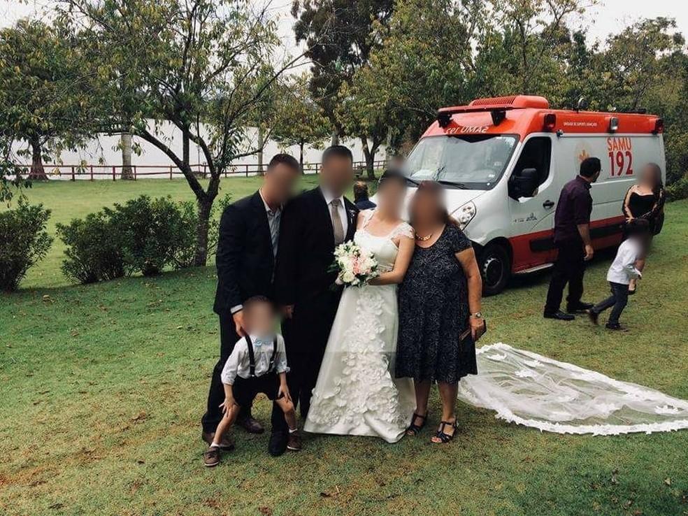 Prefeitura notificou responsáveis pela Regulação Regional do Samu depois que fotos mostram ambulância em casamento (Foto: TV TEM/Reprodução)