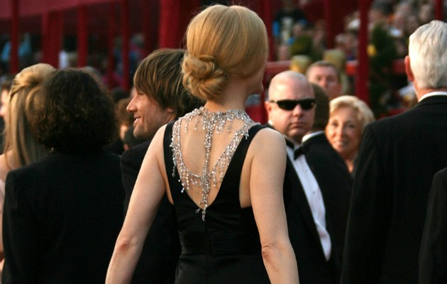 Detalhe das costas do colar da Nicole Kidman (Foto: Getty)