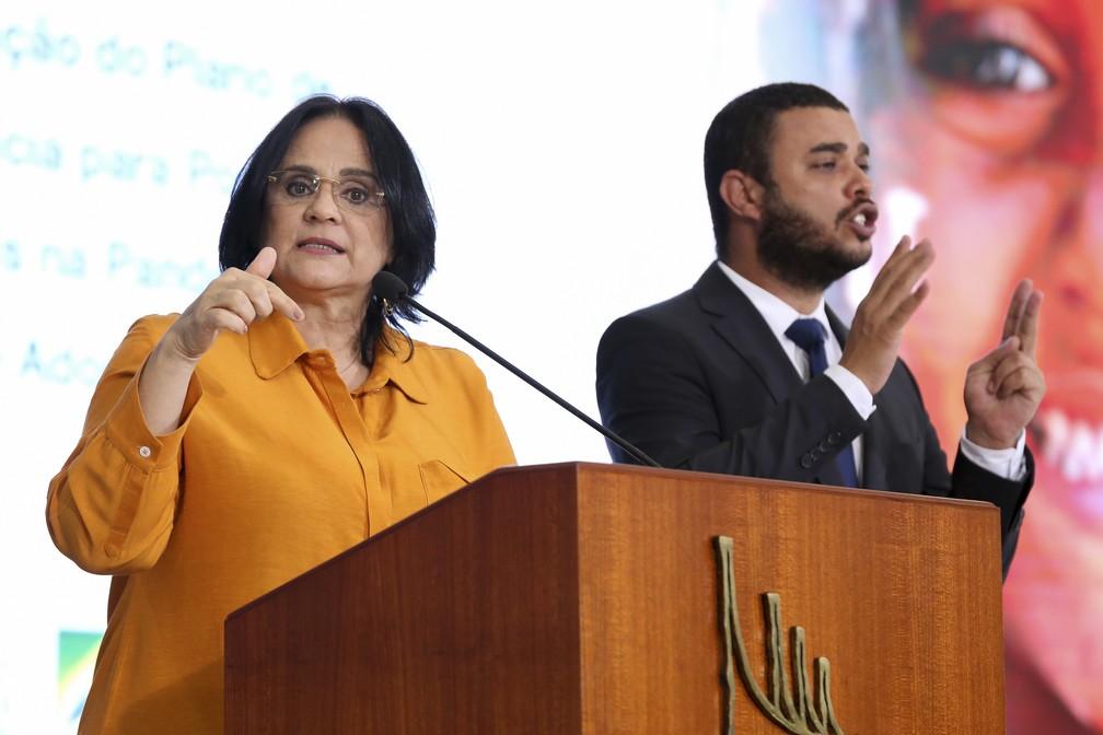 A ministra da Mulher, da Família e dos Direitos Humanos, Damares Alves, em imagem de julho de 2020 — Foto: Julio Nascimento/PR