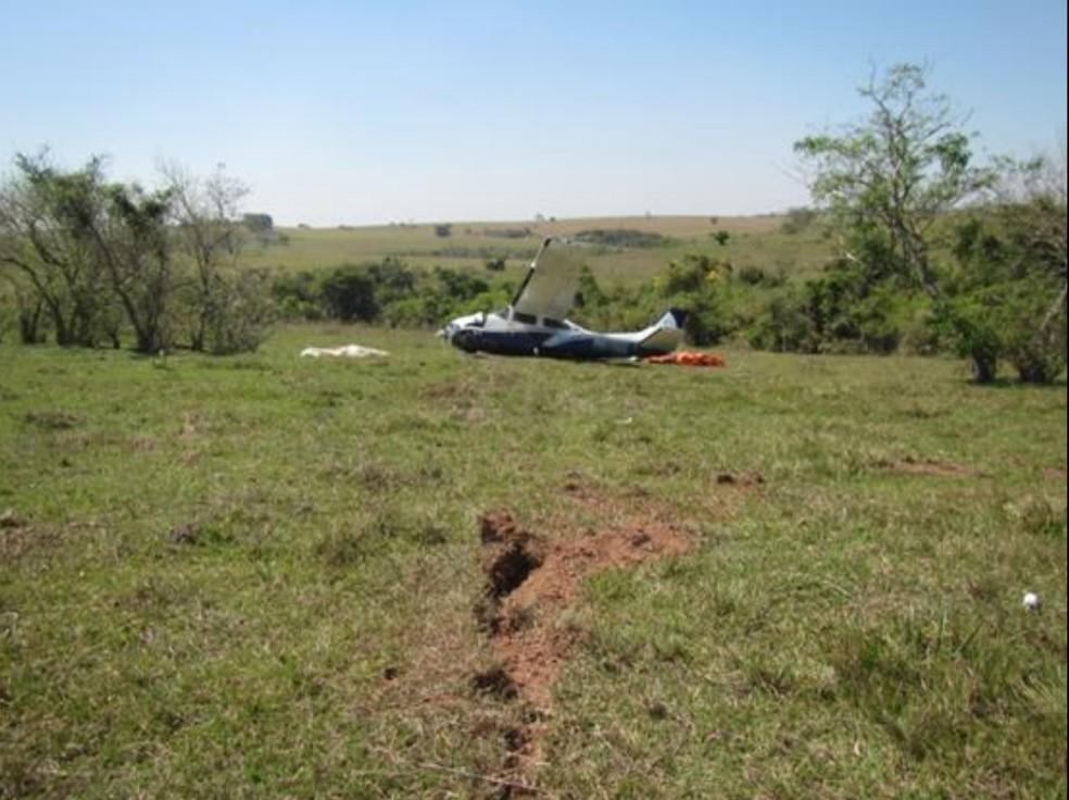Tripulantes saíram ilesos de acidente registrado em Mariápolis — Foto: Reprodução/Sipaer