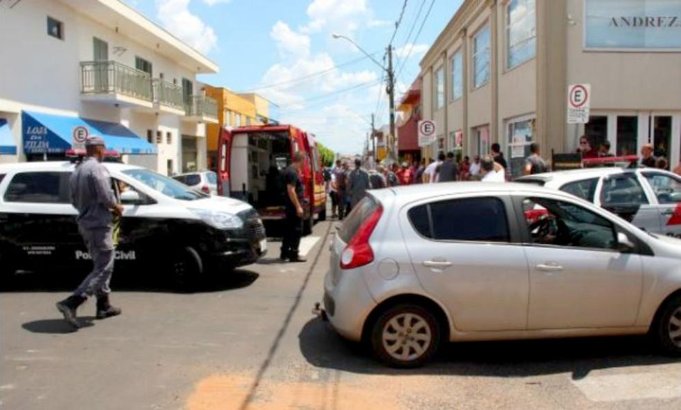 Ação aconteceu no centro de Ibitinga e mobilizou bombeiros e policiais civis e militares — Foto: Portal Ternura FM/Divulgação