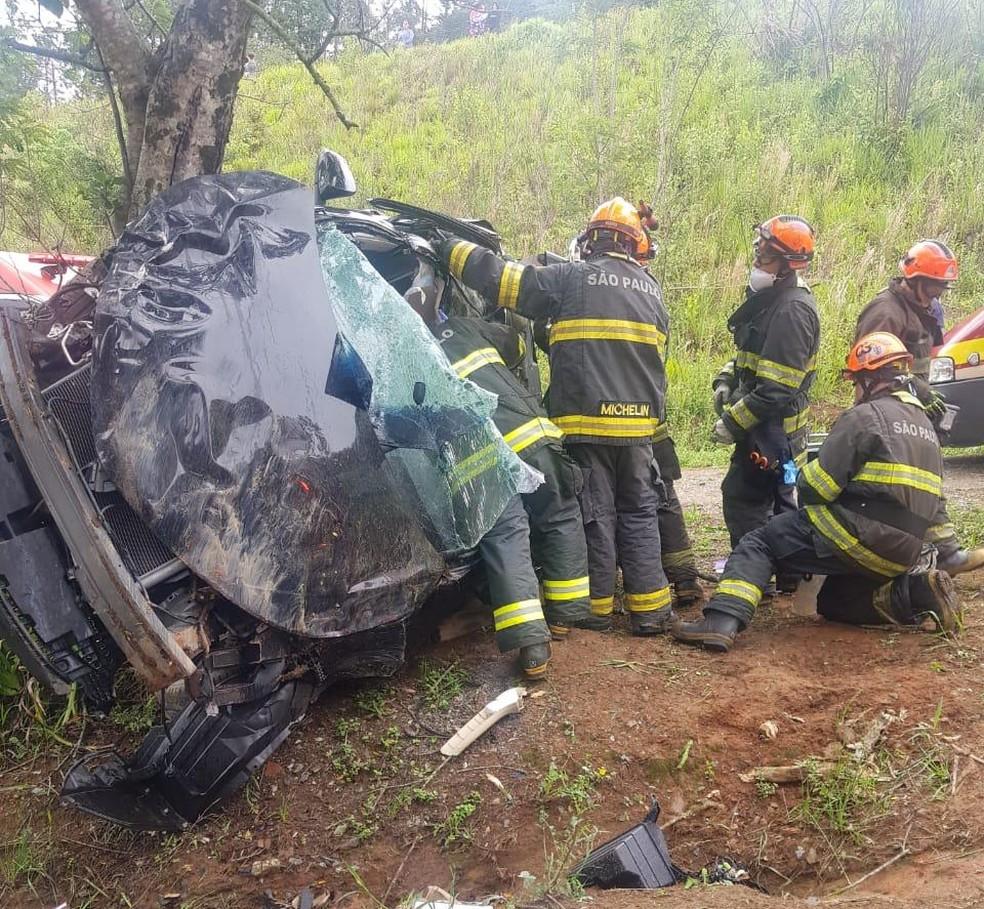 Motorista Cai Em Barranco Ao Tentar Fugir Da Polícia Na SP