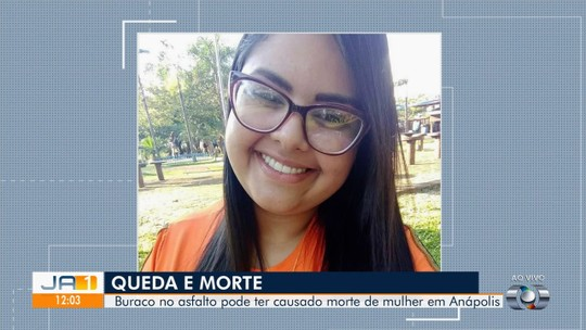 Professora morre atropelada e polícia investiga se acidente foi causado por buraco, em Anápolis