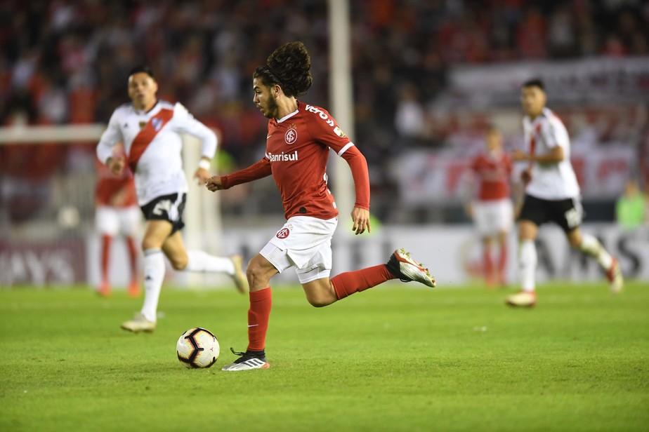 Nonato realiza sonho na Libertadores, cava espaço e pode ganhar sequência no Inter