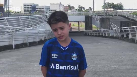 """Gremista presenteado por Gabigol aguarda camisa de Everton e curte """"melhores dias da vida"""""""