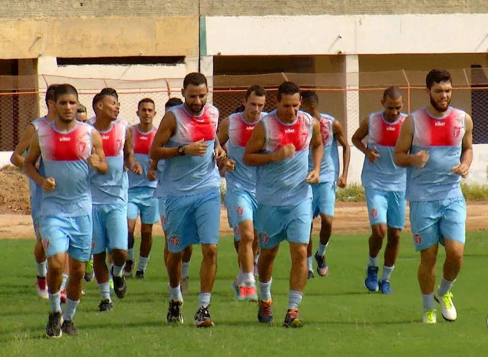 Jonathan e Rafael Potiguar (centro) são vehos conhecidos do futebol de Mossoró (Foto: Reprodução/Inter TV Cabugi)