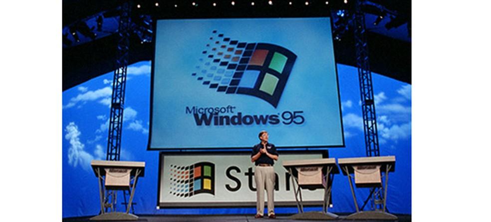 Lançamento do Windows 95: sistema vendeu mais de 40 milhões de cópias — Foto:  Divulgação/Microsoft
