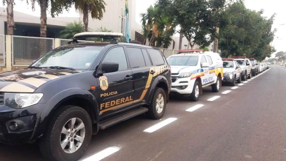 -  Operação conjunta da Polícia Militar e Polícia Federal ocorre na manhã desta quinta-feira  14   Foto: Emerson Jardim/G1