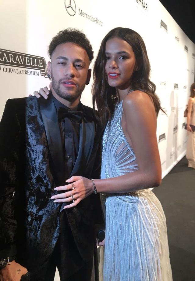 Bruna Marquezine e Neymar (Foto: Vogue Brasil)