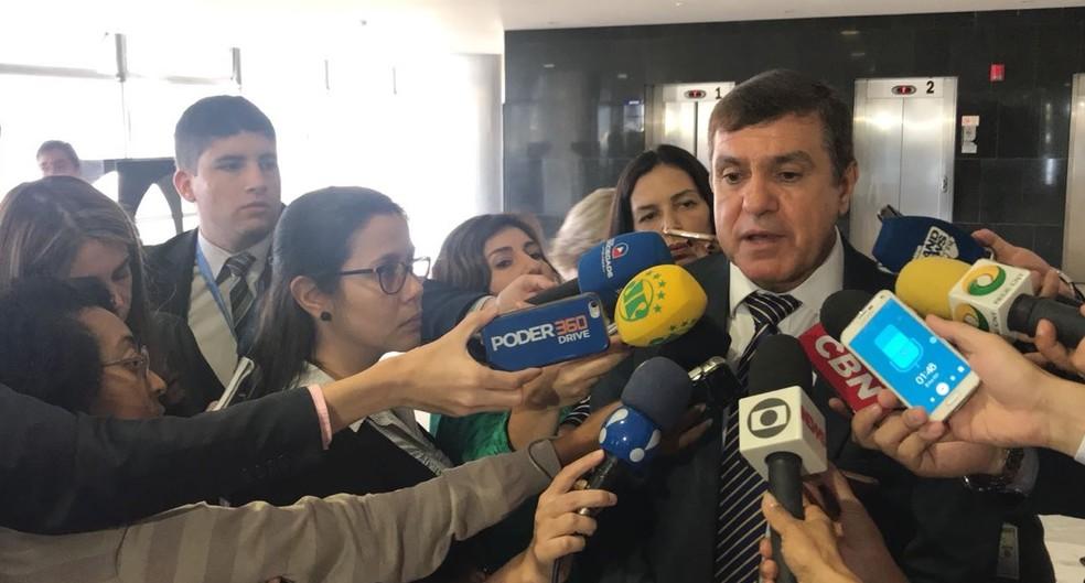Diumar Bueno, presidente da Confederação dos Transportadores, durante entrevista no Palácio do Planalto (Foto: Guilherme Mazui/G1)