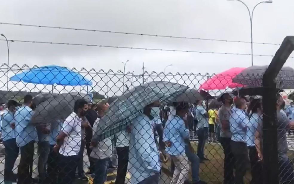 Funcionários da Ford iniciaram protesto em Camaçari — Foto: Reprodução/Redes Sociais