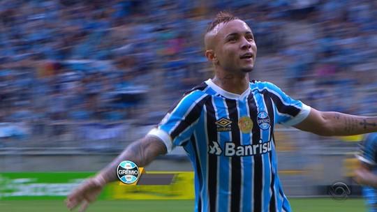 """Após ano em branco, Jael brilha com passes mágicos e é zoado por Renato: """"Monstro"""""""