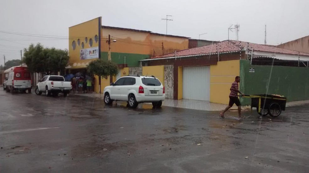 Militar aposentado atirou no suspeito que invadiu sua casa — Foto: Paulo Martins