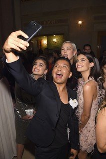 Prabal Gurung e as tops em momento selfie!