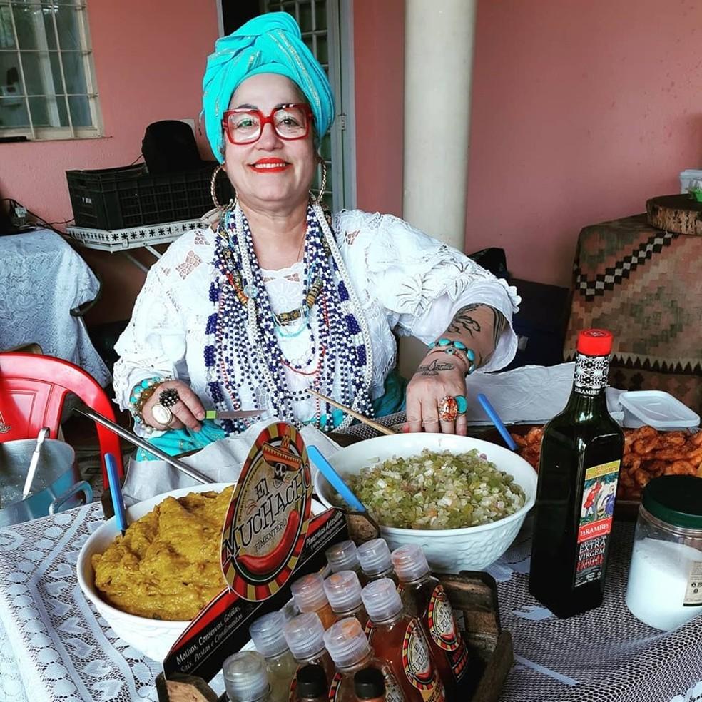 Kátia Gazel Lenti, conhecida como Kátia Baiana, morreu em naufrágio em Cananéia, SP — Foto: Reprodução/Facebook