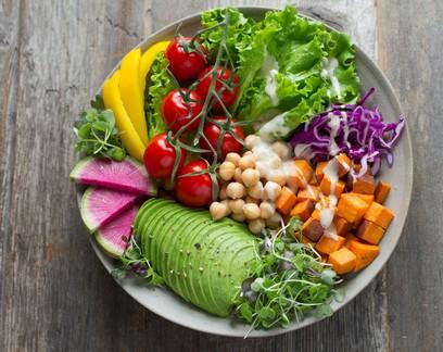 Dieta à base de plantas é associada a menor risco de Covid-19 em estudo