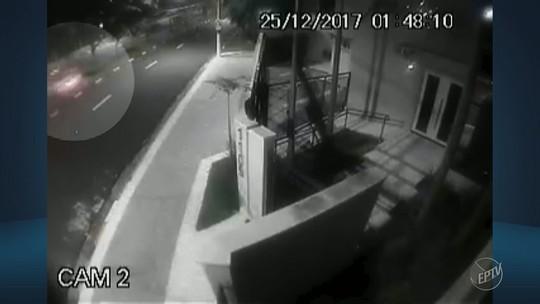 Vídeo mostra acidente com carro esportivo de luxo no feriado de Natal em Campinas