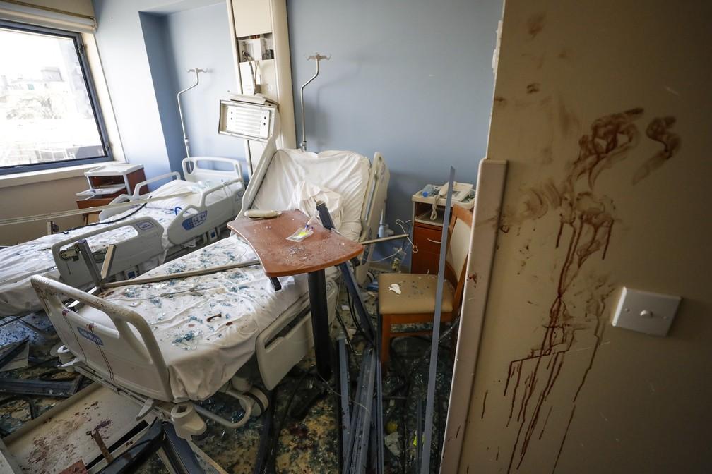 5 de agosto - Hospital danificado após explosão em  Beirute, no Líbano — Foto: Hassan Ammar/AP