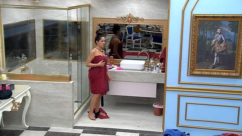 Gilberto especula sobre saída de João Luiz no Paredão e Juliette diz: 'Vai ser na cabeça da gente' — Foto: Globo