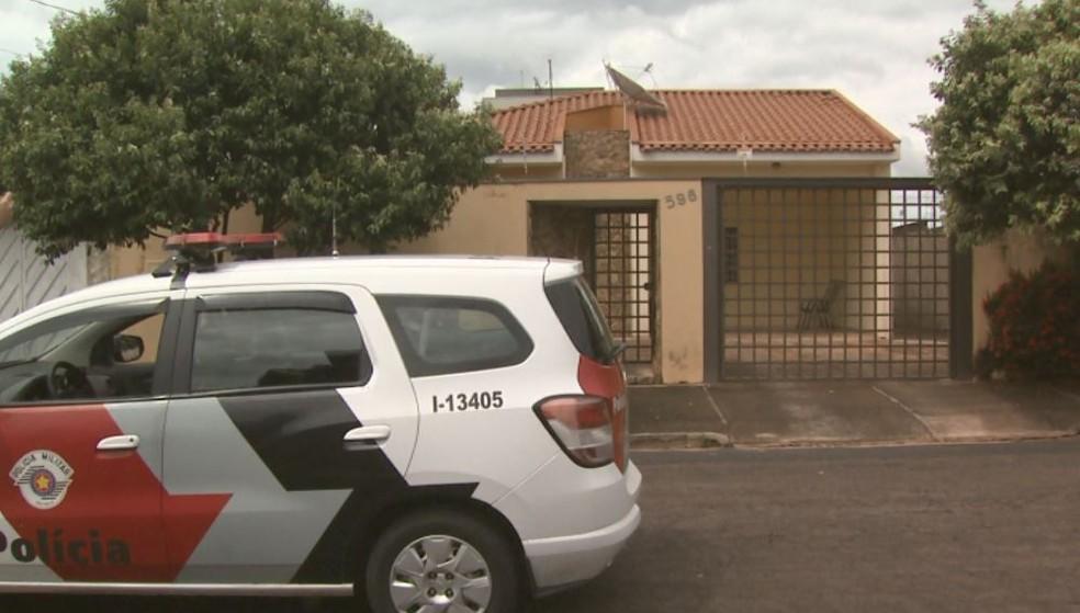Casa do padre onde sargento da PM foi assassinado em Matão (Foto: Reprodução/ EPTV)