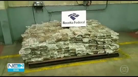 Receita Federal apreende 808 quilos de cocaína em carga de bananas no Porto de Suape
