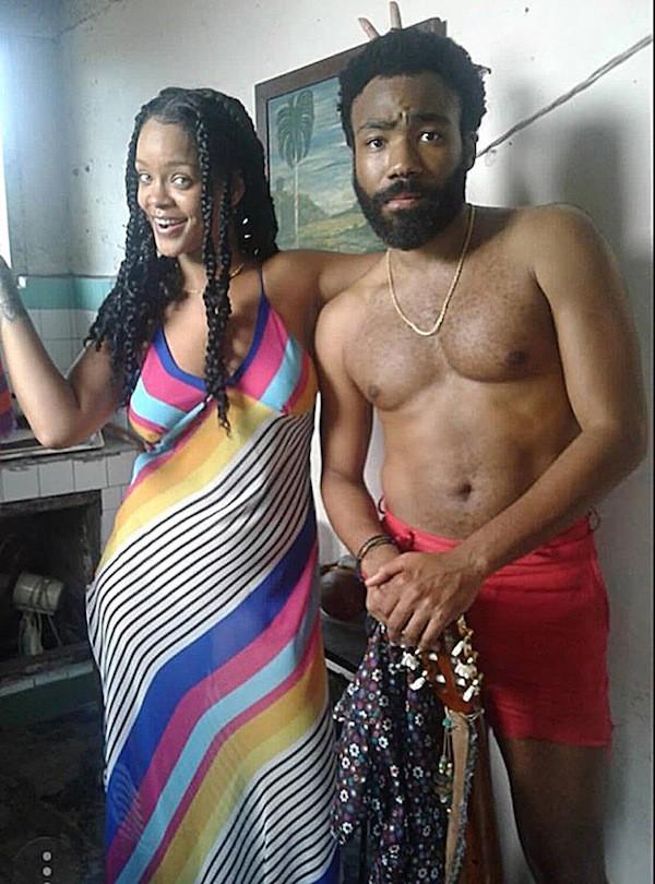 A foto de Rihanna com Donald Glover que causou ciúmes em Chris Brown (Foto: Twitter)