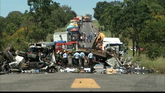 Prefeitura confirma 10 paraibanos mortos em acidente na BR-251 em Minas Gerais