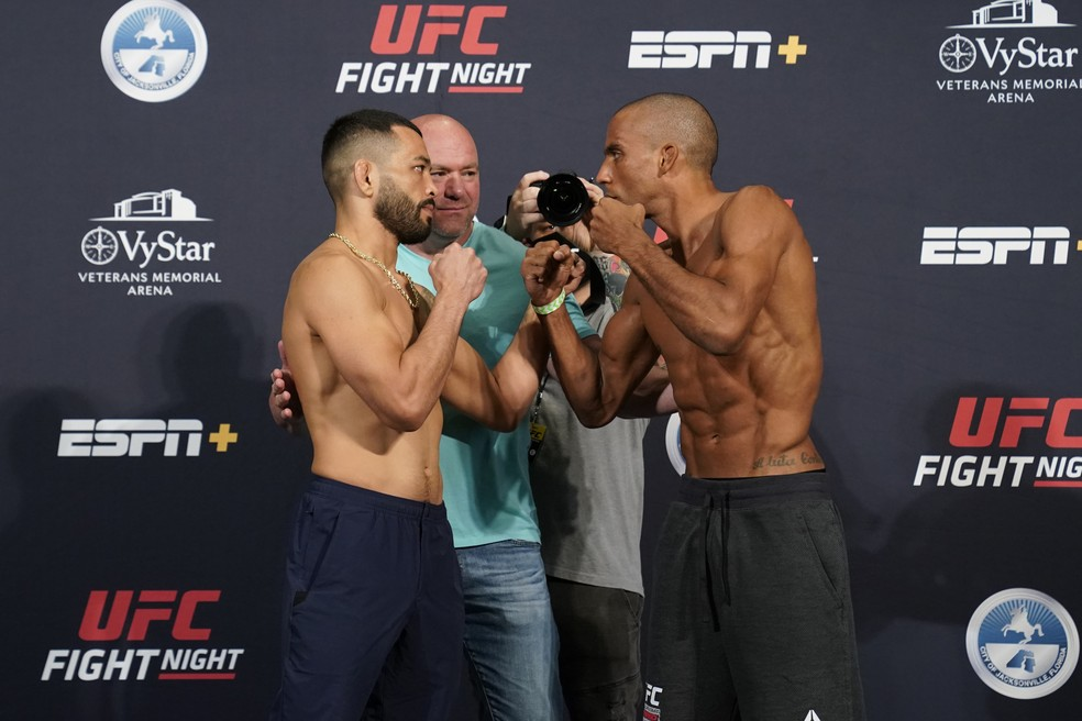 Dan Ige Edson Barboza encarada UFC: Overeem x Harris — Foto: Getty Images