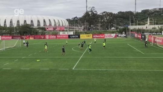 Emerson Santos sente pancada e fica fora de treino com presenças de Nico López e Dourado