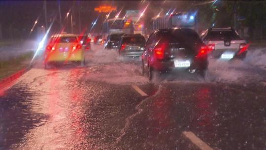 Tempestade provoca mais alagamentos no Rio