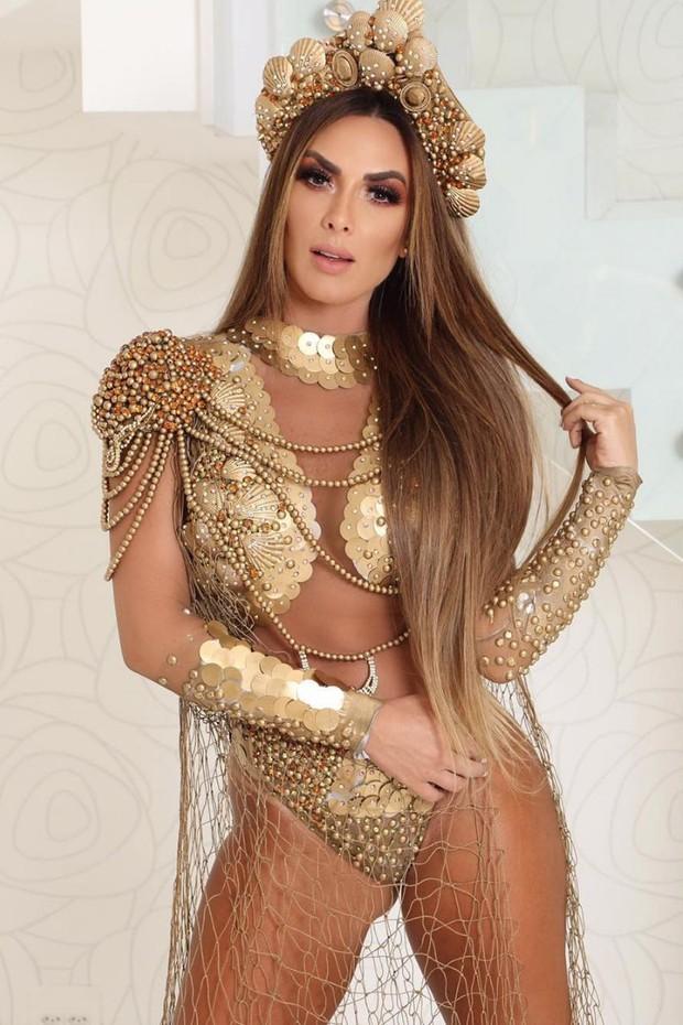 Nicole Bahls erra o look e aparece fantasiada na festa de Anitta (Foto: Reprodução/Instagram)