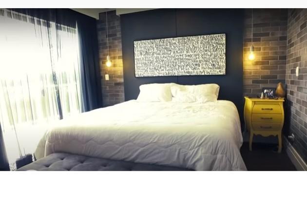 O quarto de casal de Projota e da mulher, Tamy Contro. Reprodução/ SBT (Foto: Reprodução/Instagram)