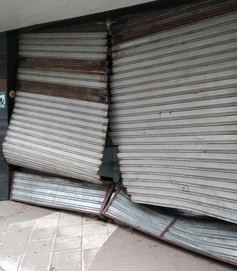 Loja de celulares foi arrombada no Centro de Itabuna, no sul da Bahia â?? Foto: Plantão Itabuna