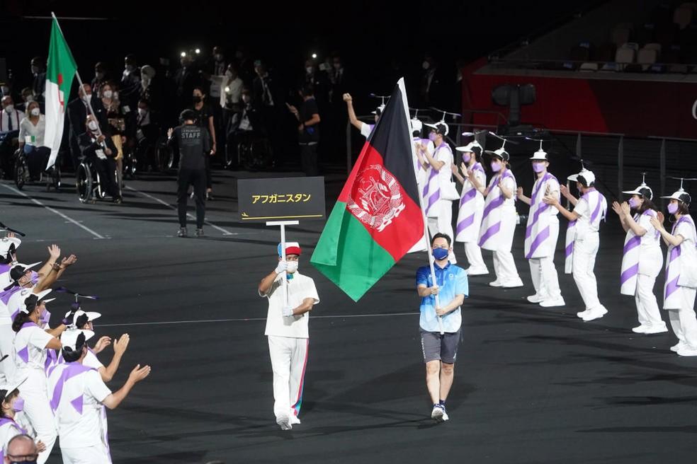Bandeira do Afeganistão marca presença nas Paralimpíadas — Foto: Marcus Brandt/picture alliance via Getty Images