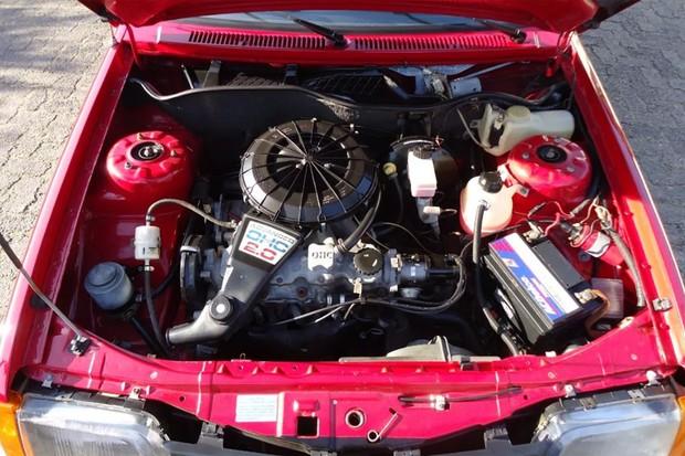 O motor 2.0 rendia até 110 cv na versão a álcool, a mesma potência dos demais Monza 2.0 (Foto: Reprodução)