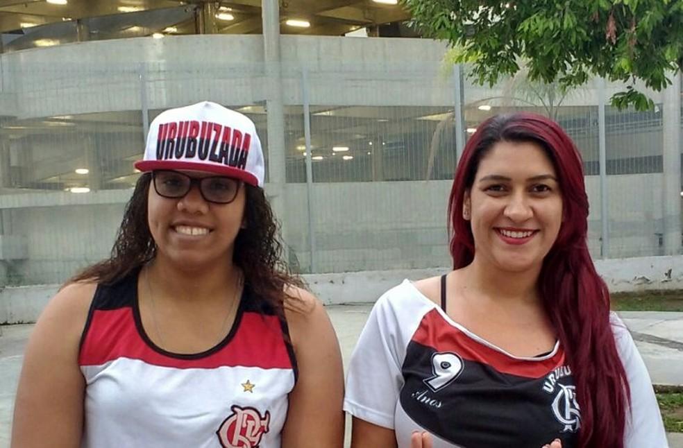Adrielle e Meire, torcedoras do Flamengo (Foto: Emanuelle Ribeiro)