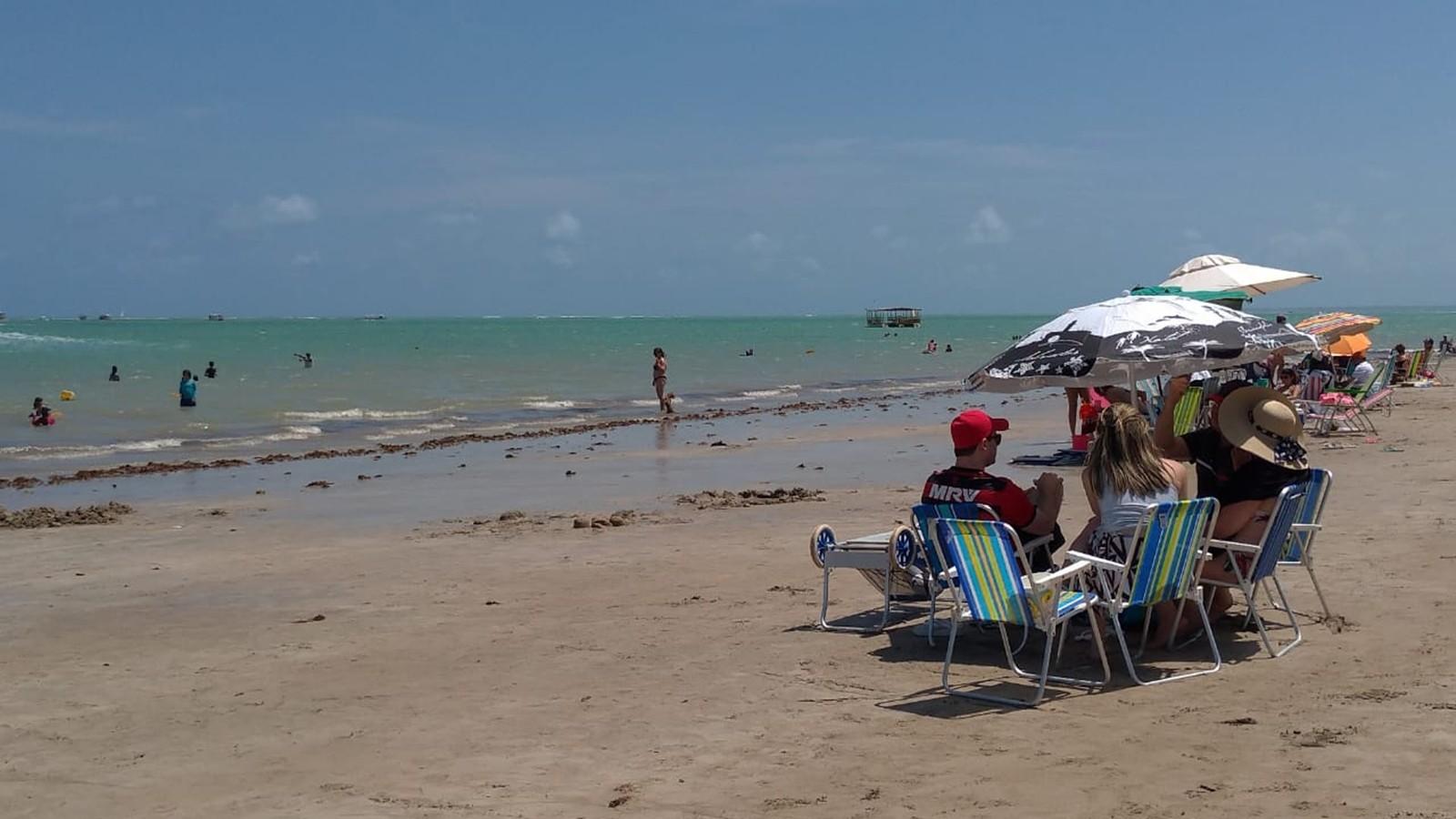 Litoral da Paraíba tem 21 praias impróprias para banho; maré alcança 0 m