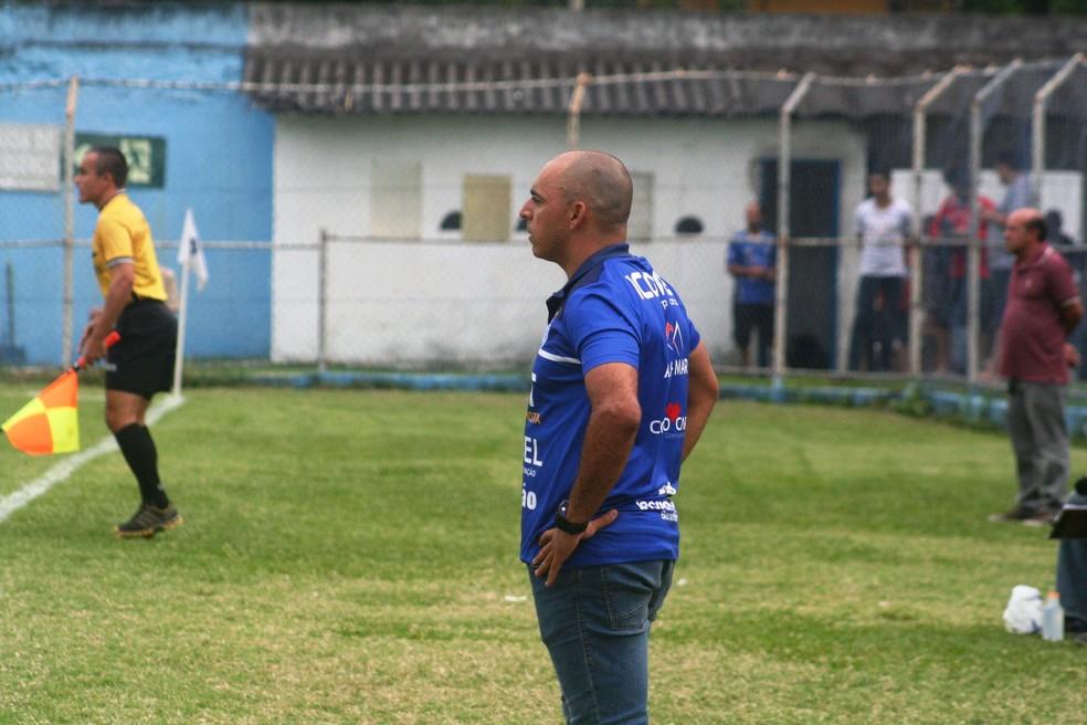 858f3ea0a9795 Folha Iconha – Vitória-ES apresenta Cláudio Roberto Silveira como ...