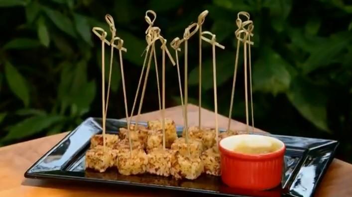 Aprenda a fazer dadinhos de tapioca acompanhados de geleia de abacaxi com pimenta - Notícias - Plantão Diário