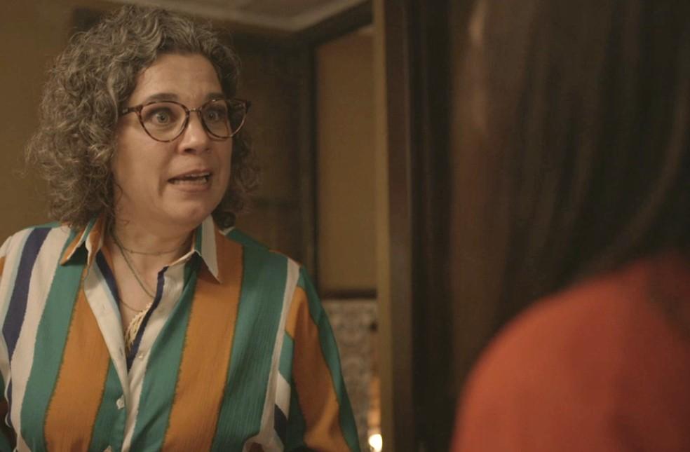 Jane dá fora em Thelma — Foto: Globo