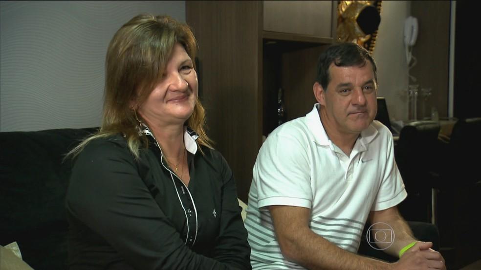 Foto de arquivo da RBS TV. À direita está José Agostinho Becker — Foto: Reprodução/RBS TV