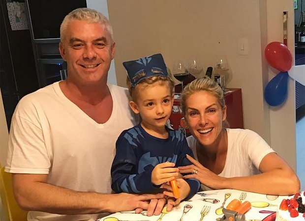 Ana Hickmann com o marido e o filho (Foto: Reprodução/Instagram)