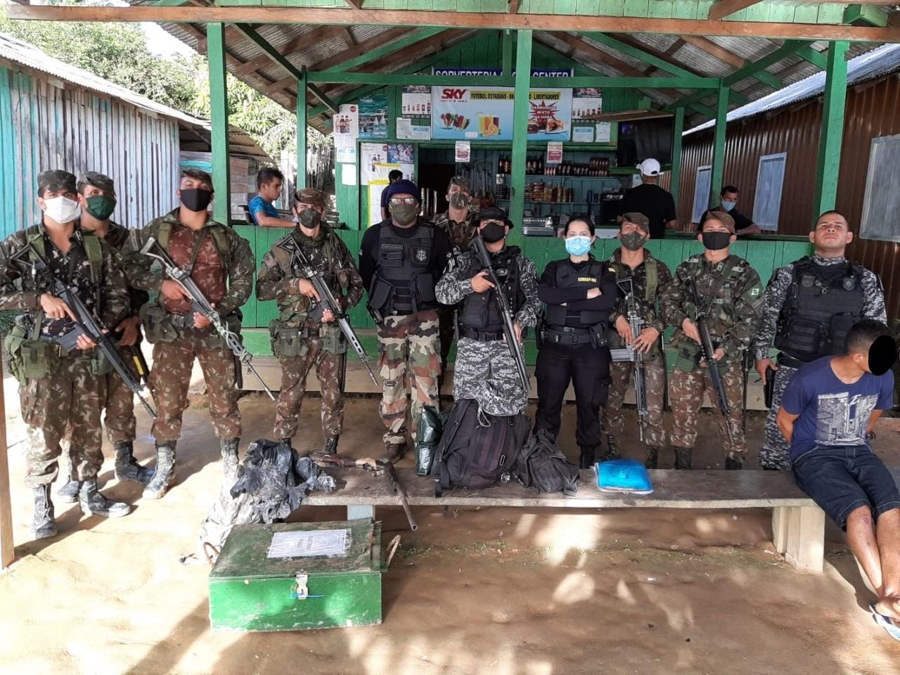 Exército apreende no AP animais silvestres, combustíveis, armas e itens usados em garimpo ilegal
