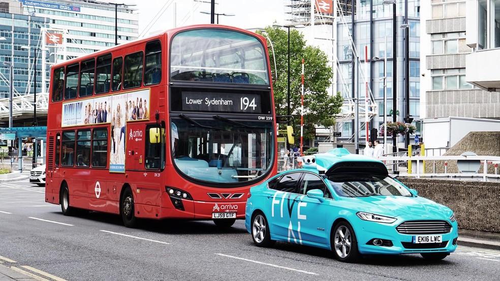 Carro autômato começa a circular com passageiros em Londres — Foto: Divulgação/FiveAI