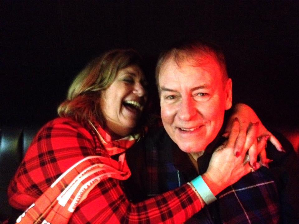 Alan Longmuir e a esposa Eileen (Foto: Facebook)